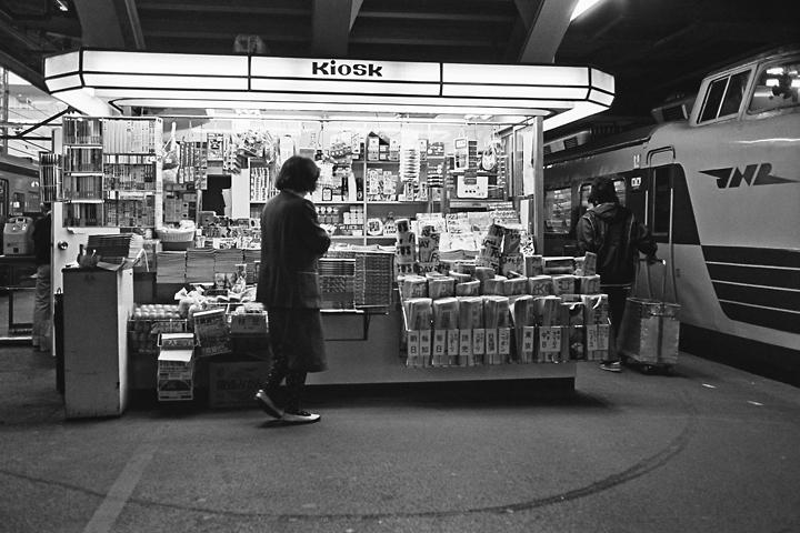 s6112キオスク上野駅