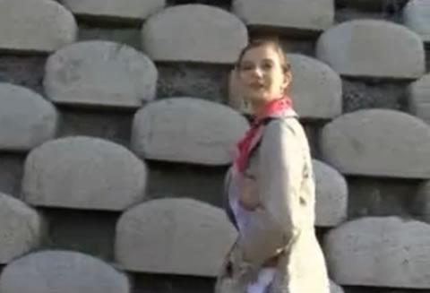 ロシアで女に声かけて外でセックス(無修正)