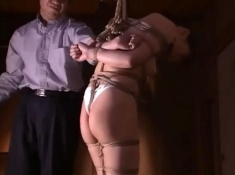 女子緊縛鞭調教