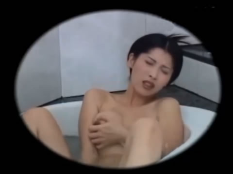 お風呂オナニー盗撮動画 垂れ気味巨乳お姉さんが乳首をコリコリしながらローターオナニー