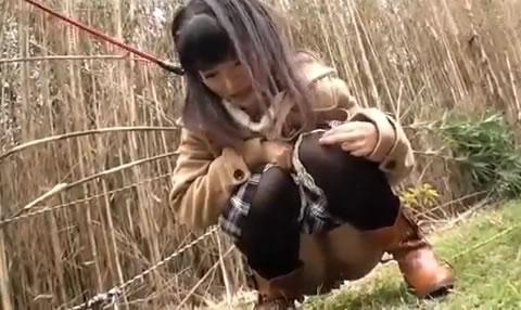 B036 パイパン美少女 野外調教