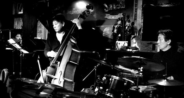 20150118 Jazz38 トリオ 21㎝DSC04902