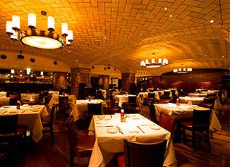 20150120 Walfgangs Steak House interior 115mm