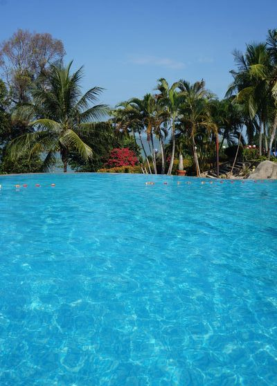 20150223 Lumet Hotel pool 400 DSC07425