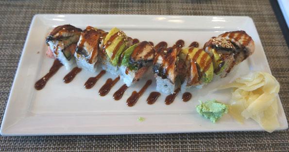 20150602 lunch dragon roll 21cm DSC05712