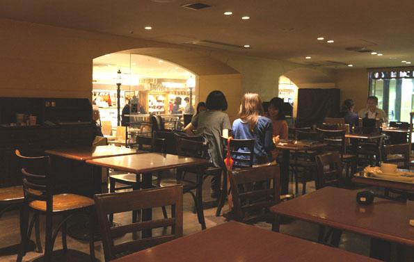 20150705 Marche de Metro カフェ 喫煙室 21㎝ DSC08095