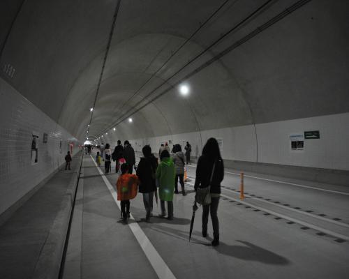 トンネル内1