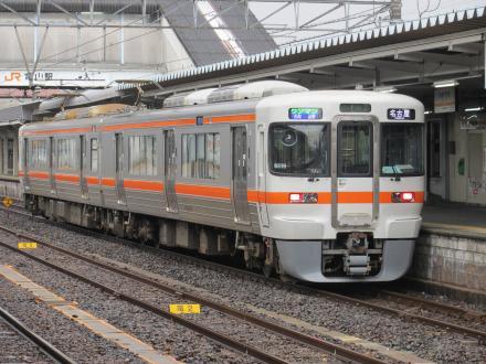 関西本線快速(亀山駅)