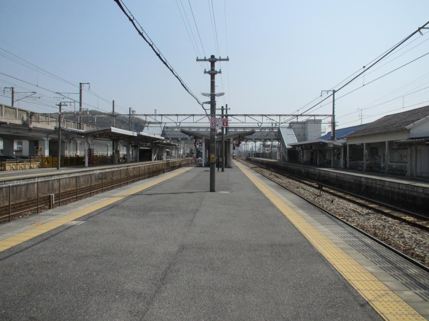 東岡山駅2