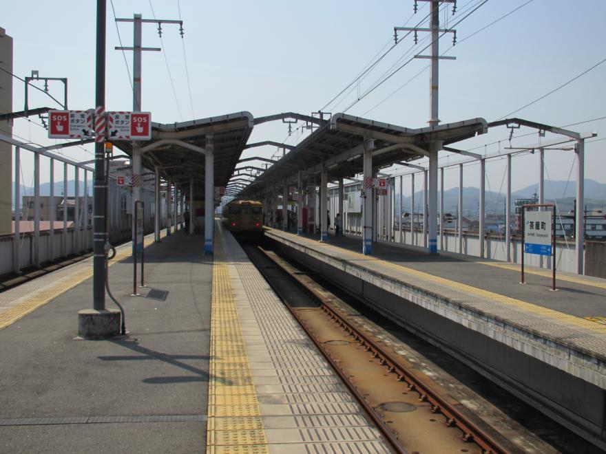 茶屋町駅2