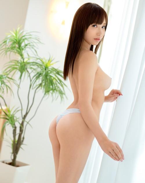 吉川蓮 お乳美しい乳過ぎる新人av女優が、豆腐屋桃谷エリカを超えるモデル度 #えろムービー像