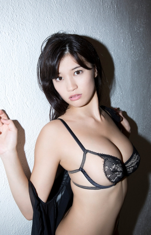 高崎聖子 Gカップ グラビア 02