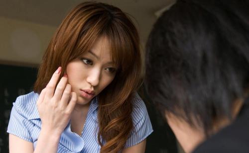 星野あかり Eカップ AV女優 女教師 30