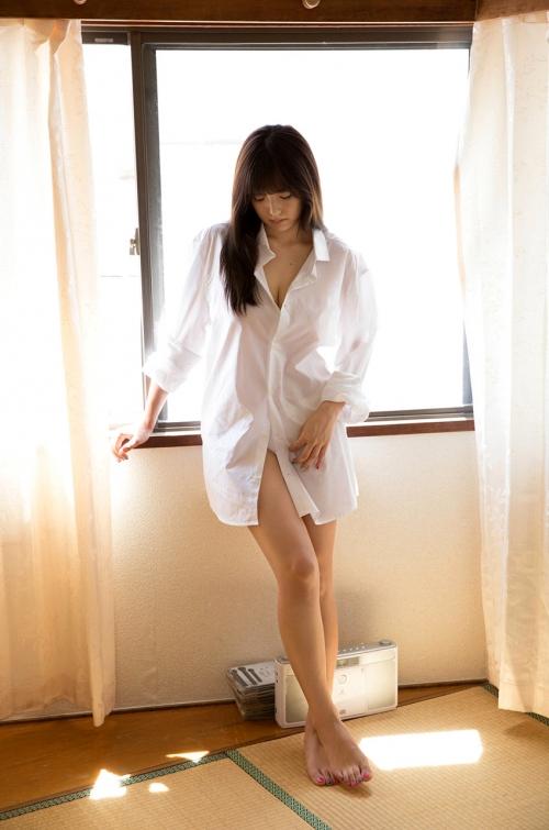 篠崎愛 Gカップ グラビア ワイシャツ 白水着 01