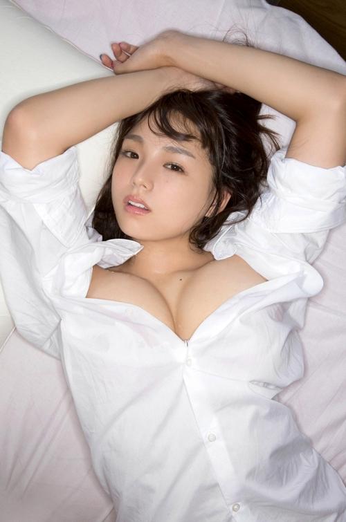 篠崎愛 Gカップ グラビア ワイシャツ 白水着 20
