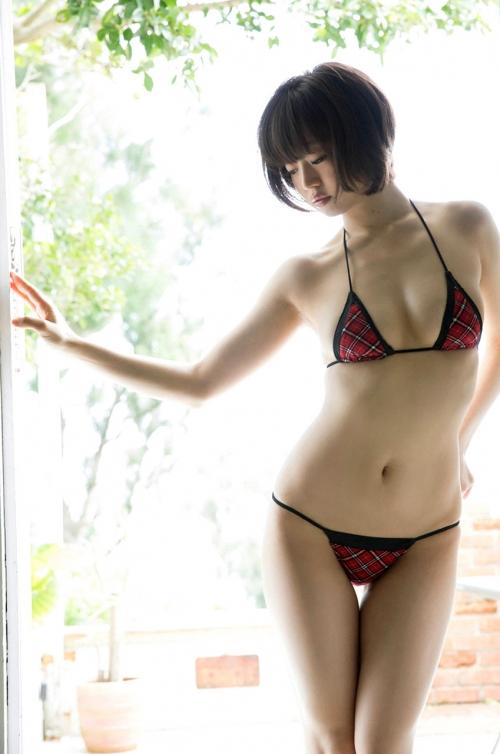 グラビアアイドル ビキニ 巨乳 おっぱい 03