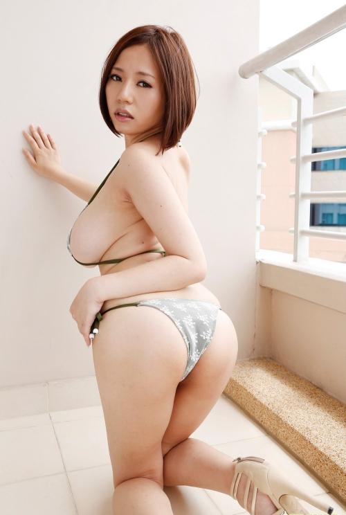 グラビアアイドル ビキニ 巨乳 おっぱい 04