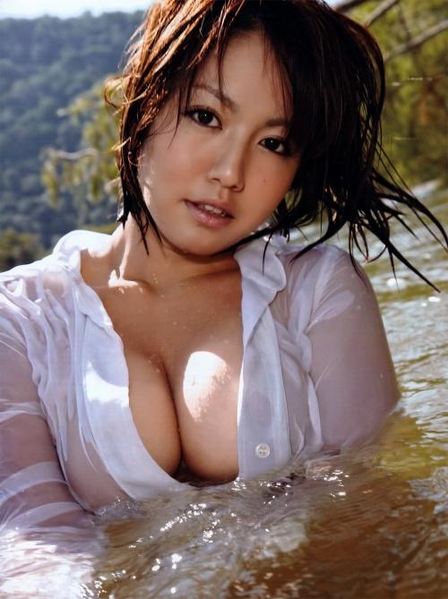 グラビアアイドル ビキニ 巨乳 おっぱい 37