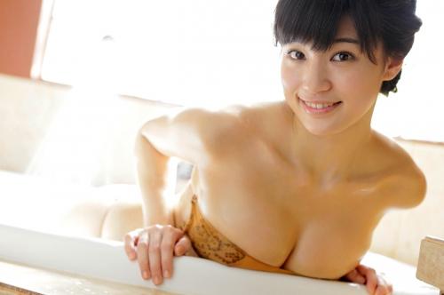 高崎聖子 Gカップ グラビア 巨乳 65