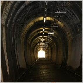 150502E 044トンネルBSQ