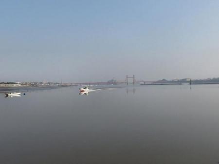 筑後川と百舌鳥 121
