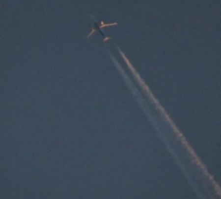 飛行機雲 012