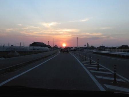 月と夕陽 070