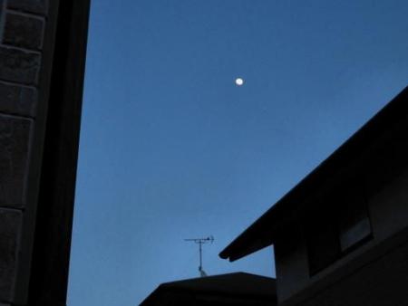 月と夕陽 079