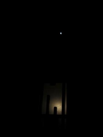 寝て見るお月さん 001