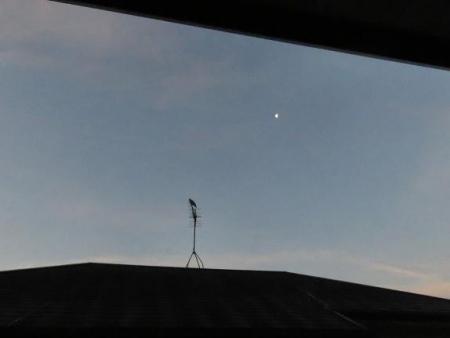 月と鳩 002