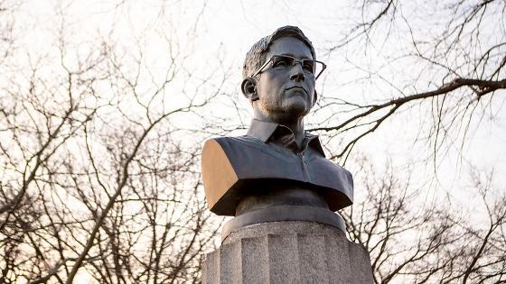 Snowden銅像