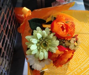 2月25日花束オレンジ