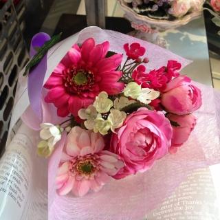 2月25日花束ピンクガーベラ