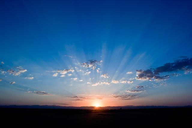 sunrise-165094_640.jpg