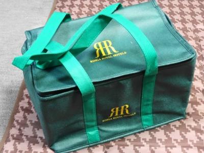 ロイヤルホテルの保冷バッグ