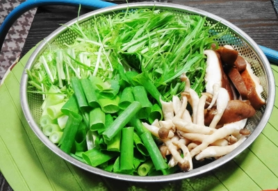 水菜、九条ネギ、椎茸、えのき