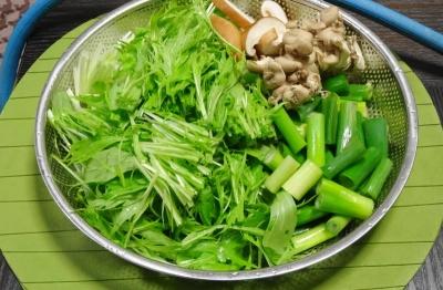 水菜・九条ネギ・椎茸・しめじ
