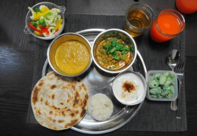 二種のインドカレーディナー
