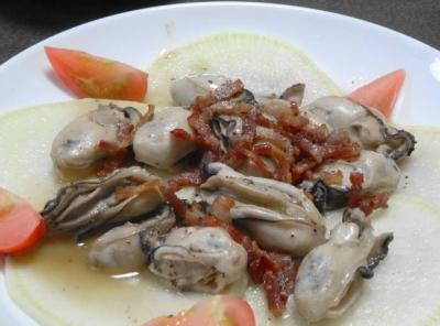 牡蠣のベーコン焼き 白ワインソース
