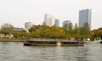 大川に浮かぶ外輪船 OBP