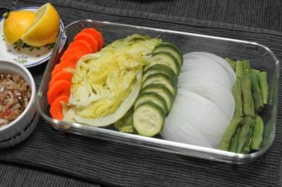 蒸し野菜のカウダソース添え