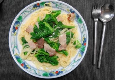 菜の花とベーコンのスープパスタ