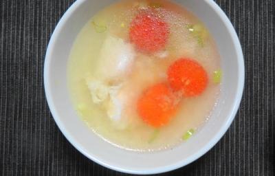 鶏胸とトマトの中華風スープ
