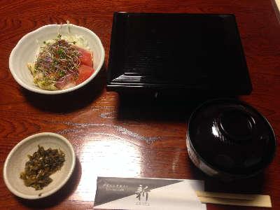 ダイニングカフェ新 10食限定「豚重」①