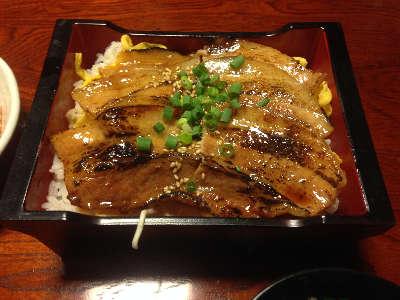 ダイニングカフェ新 10食限定「豚重」③