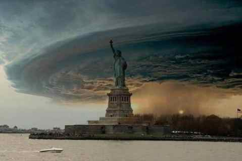 hurricane_sandy_threatening_newyork_oct2012.jpg