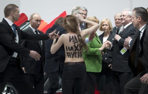 FEMEN プーチン