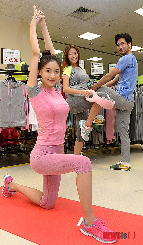 韓国モデル とがったアゴ