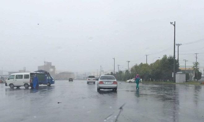 6月28日 梅雨 強風大雨の八戸朝市