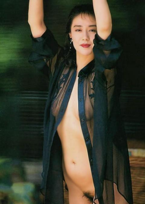 横山エミー